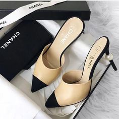 Fashion shoes for fashion women, Dream Shoes, Crazy Shoes, Me Too Shoes, Pumps Heels, Stiletto Heels, High Heels, Estilo Carrie Bradshaw, Look Fashion, Fashion Shoes