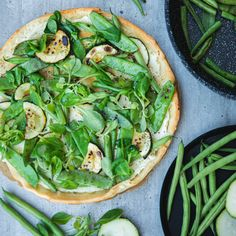 Lots and lots of green. 💚 We are in love with this salty cake from Remoska® because there are so many vegetables on top. It's healthy and delicious. Salty Cake, Avocado Toast, Vegetable Pizza, Vegetables, Breakfast, Healthy, Green, Recipes, Top
