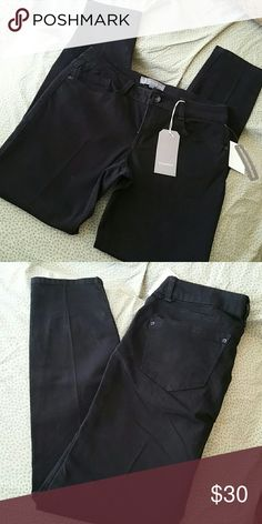 Black Wit & Wisdom Jegging This is a great quality jegging! It's just a bit too big on me, or else I'd keep these babies! The pockets are completely functional, size 6, and still has all tags attached! Perfect for fall & winter! Wit & Wisdom  Jeans