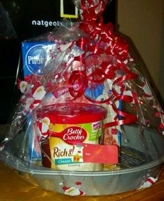 Easy holiday gift basket ideas giveaway club chica circle very inexpensive christmas gift solutioingenieria Choice Image