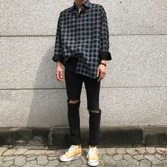 Pin by nightmare on korean men style outfits in 2019 korean fashion men, fa Stylish Mens Outfits, Tomboy Outfits, Grunge Outfits, Casual Outfits, Fashion Outfits, Guy Outfits, Summer Outfits, Man Outfit, Men Casual