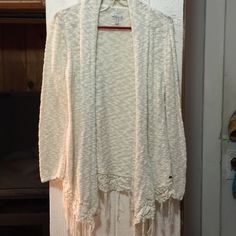 Oneill sweater Never worn heavy sweater. Large but will fit a medium O'Neill Sweaters