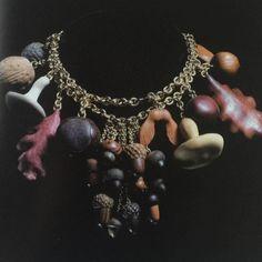 Visionary #JoelArthurRosenthal #necklaceautumn #1999 #wood #gold . Repost @dkfarnum Thanks #jarjewelry #collectiblejewels #anoukaimee #emmanuelbeart #fallstars #autumn #necklace #jar #jarjewelry #awesome #iconic #jewelry !!! @carolinebigeard