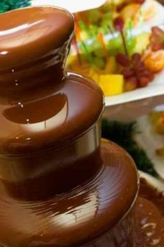 The Best-Ever Chocolate Fondue Recipe Easy Chocolate Fondue Recipe, Chocolate Fountain Recipes, Chocolate Fountains, Delicious Chocolate, Chocolate Desserts, Dinner Party Desserts, Dessert Party, Fondue Recipes, Sweets