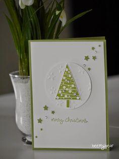 Die erste Weihnachtskarte auf einem Workshop ist auch schon entstanden. Ich hatte zwei Varianten dabei, zwischen denen sich die Teilnehmerinnen entscheiden konnten. Bei dieser Karte haben wir die Ste