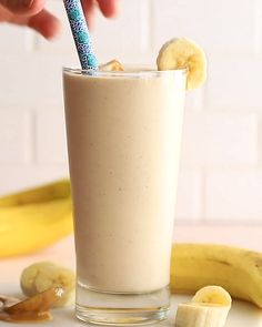 Peanut Butter Banana Smoothie- this Peanut Butter amp; Banana Smoothie is my go to healthy breakfast that takes just a few minutes to throw together and tastes like ice cream Healthy Breakfast Smoothies, Easy Smoothie Recipes, Easy Smoothies, Fruit Smoothies, Healthy Peanut Butter Smoothie, Banana Breakfast, Peanut Butter Milkshake, Peanut Butter Breakfast, Breakfast Ideas