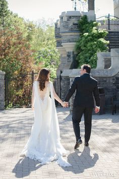 WedLuxe – The Bride Wore Ines Di Santo at this Casa Loma Wedding   Photography By: Krista Fox Photography Follow @WedLuxe for more wedding inspiration!