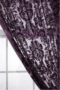 Urban Outfitters ゴージャス  ベルベット カーテン! BUYMAからご購入も可能です。 http://www.buyma.com/r/-B1296983/
