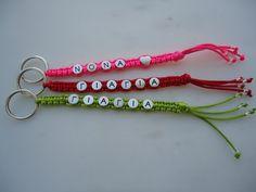 13 Diy Bracelets Easy, Handmade Bracelets, Bead Crafts, Paracord, Zippers, Key Chains, Diy Gifts, Cool, Nespresso