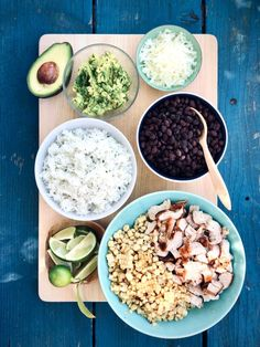 The burrito bowl your kids want for dinner this week – easy kids friendly dinners Easy Meal Prep, Easy Weeknight Meals, Cooking Recipes, Healthy Recipes, Skillet Recipes, Cooking Tools, Healthy Dinners, Yummy Recipes, Dinner Recipes
