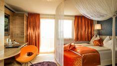Wunderschöne Zimmer im Hotel Winzer in Oberösterreich.   #leadingsparesorts #leadingspa #wellness #spa #beauty #wellnesshotel #wellnesstime #zimmer #room #suite #hotels #resorts #oberösterreich #roomtour #luxus #orange #frühling #gemütlich #luxus Hotel Winzer, Das Hotel, Wellness Spa, Hotels, Curtains, Orange, Beauty, Home Decor, Cuddling