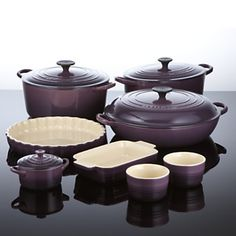 I want an entire kitchen filled with Le Creuset cookware. I go back and forth on whether I prefer cassis, fennel, caribbean or dijon. Le Creuset Cookware, Cookware Set, Kitchen Items, Kitchen Dining, Kitchen Tools, Purple Kitchen Accessories, Kitchen Must Haves, Bons Plans, Cooking Gadgets
