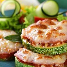 Pizza de Calabacita Mozzarella, Snack, Salmon Burgers, Tuna, Cake Recipes, Keto, Salad, Fish, Beverage
