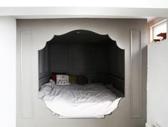 Alcove bed...now all that's missing is some pretty little led lights inside...maybe pink....or blue.