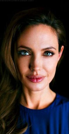 Angelina Angelina Jolie Makeup, Brad Pitt And Angelina Jolie, Angelina Jolie Photos, Jolie Pitt, Le Jolie, Provocateur, Celebrity Hairstyles, Beautiful Celebrities, Sensual