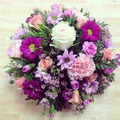 Pink posy Artificial Flower Arrangements, Artificial Flowers, Floral Arrangements, Simple Flowers, Cut Flowers, Posy Flower, Funeral Ideas, Funeral Tributes, Sympathy Flowers