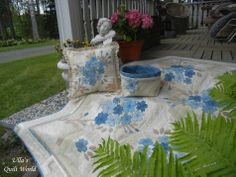 My quilt blog (Ulla's Quilt World) has more photos. Welcome! :) Hugs, Ulla
