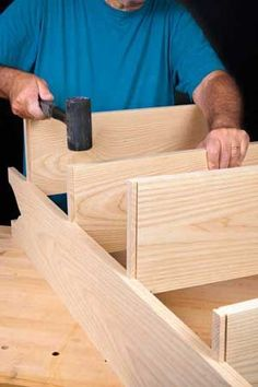 What is a Sliding Dovetail Joint? The mechanical lock of the sliding dovetail joint makes it easy to assemble, because the parts won't fall apart while you look for clamps. You only need two hands. What a concept! Woodworking Joints, Woodworking Techniques, Woodworking Bench, Woodworking Shop, Woodworking Projects, Popular Woodworking, Into The Woods, Diy Wood Projects, Wood Crafts