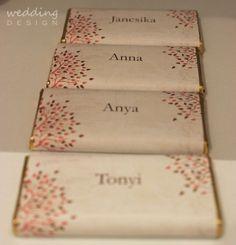 2in1 - Chocolate wedding favour and place cards - Kettő az egyben csokis esküvői köszönetajándék és ültető kártya Wedding Thank You Gifts, Wedding Place Cards, Wedding Favours, Wedding Designs, Favors, Gift Wrapping, Gift Ideas, Gifts For Marriage, Paper Wrapping