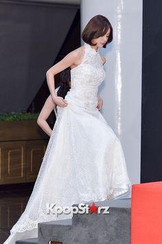Hyeri - Girl's Day at 2014 KBS Gayo Daechukje Red Carpet Lee Hyeri, Korean Celebrities, Girl Day, Red Carpet, Kpop, Actresses, Wedding Dresses, Cute, Photos