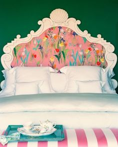 That headboard is gorgeous!