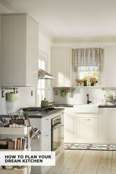Whether you're building a new kitchen or refreshing the one you've got, it's always helpful to get a hand along the way. Click to find everything from IKEA design and materials, to tips, tricks and advice that'll help you through the whole process.
