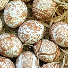 Ready for Easter? Try the Ukrainian method of decorating pysanky eggs, after seeing the most beautiful designs we could find for inspiration. design church The Most Beautiful Pysanky Easter Egg Designs We've Seen Yet Egg Crafts, Easter Crafts, Bunny Crafts, Easter Decor, Easter Ideas, Easter Egg Designs, Brown Eggs, Ukrainian Easter Eggs, Diy Ostern