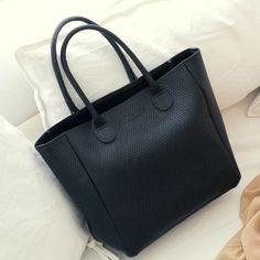 c3e5646f917a9 Petit Cabas Braquage cuir perforé noir Bonnie and Bag   Bonnie and Bag  Braquage small perforated leather tote