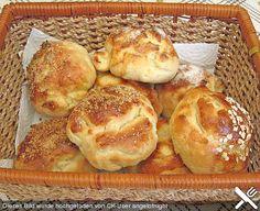 Finnische kleine süße Brötchen (Pikkupullat), ein tolles Rezept aus der Kategorie Brot und Brötchen. Bewertungen: 44. Durchschnitt: Ø 4,5.