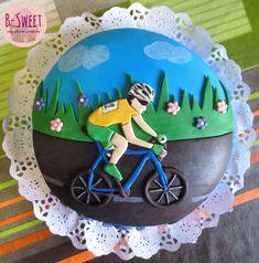 Tarta ciclista con bizcocho de yogur y chocolate.