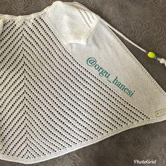 Herkeslere hayırlı ramazanlar.sevgili @aynuryesil3 hanımın siparişlerinin ilk parçası bu yarım kol ajurlu hırka.2-3 yaş. Daha önce sayfamda malzeme ve tarifini vermiştim.ilgilenenler bakabilir.arkasını görmek için resmi sola kaydırınız. Allah'a emanet olunuz. Baby Knitting Patterns, Knitting Designs, Crochet Patterns, Baby Vest, Baby Cardigan, Baby Moccasins, Vest Pattern, Perfect Gift For Her, Crochet Baby Booties
