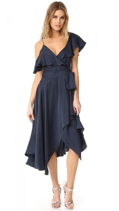 The Dress That Will Flatter Every Body Shape - The Closet Heroes