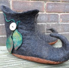 Felted Elf Boots wet felted curly toed slipper by feltersjourney