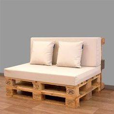 Te explicamos como hacer sofás, camas, estanterías, mesas... Muebles de palets es la opción más económica para decorar tu casa #mueblesreciclados