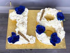"𝐐𝐮𝐚'𝐓𝐞𝐬𝐡𝐚 𝐅𝐞𝐥𝐝𝐞𝐫•𝗖𝗮𝗸𝗲 𝗗𝗲𝘀𝗶𝗴𝗻𝗲𝗿 on Instagram: ""✨𝑒𝒾𝑔𝒽𝓉𝑒𝑒𝓃✨ : : : : : : : : : : : : : : : : : : : : : : : : : : : : : #numbercake #birthdaycake #cake #buttercream #floralcake #cakedecor…"" Number Cakes, Floral Cake, Custom Cakes, Cake Decorating, Birthday Cake, Treats, Desserts, Instagram, Design"