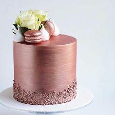 """13.1 m Gostos, 54 Comentários - #No.1 Nigerian Cake Blog (@cakebakeoffng) no Instagram: """"Rose Gold .... Spotted this BEAUTIFUL Cake Design Tag the Baker!! #Cakebakeoffng #CboCakes…"""""""