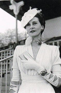 Helene Arpels - 1939 - Longchamp Racing, Paris - Van Cleef & Arpels, Passe Partout Necklace / Bracelet - Art Deco