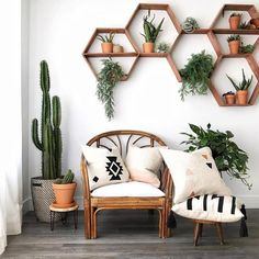 Do you love this from leafandpaige - can you recognize the aerial plants , , . - HOME SWEET HOME - - - Interior Design Living Room, Living Room Designs, Living Room Decor, Bedroom Decor, Bedroom Ideas, House Paint Interior, Bohemian Living Rooms, Salon Interior Design, Beauty Salon Interior
