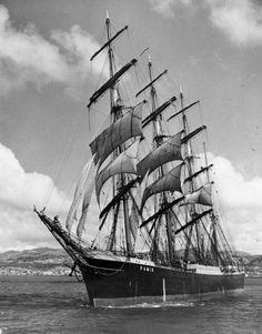 Tall Ship Pamir. Image info: http://historygeeknz.files.wordpress.com/2012/11/pamir.jpeg?w=664