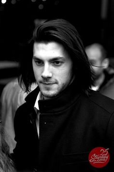 Guess who's back !? V's back, just ringing in the new school year with a little Letang. Oh pinterest, always there to distract me from schoolwork :3