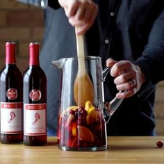 Cranberry Orange Sangria  Say no more! // Recipe by: @pinchofyum  #holidayparty #thanksgiving #sweaterweather #cocktail #barefootwine