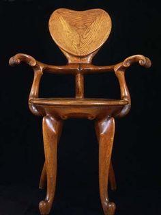 Jungendstil stijl, de stoel die Gaudi heeft ontworpen.
