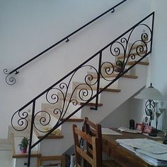 Phenomenon Incredible Floating Staircase Design Ideas To Looks Dazzling dec. - Annette Home Wrought Iron Stair Railing, Iron Staircase, Stair Handrail, Floating Staircase, Staircase Railings, Bannister, Balcony Railing Design, Home Stairs Design, Gate Design