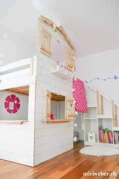 diy hoch bett haus - The world's most private search engine Loft House, House Beds, Kids House, Diy Bunkbeds, High Beds, Kids Bunk Beds, Childrens Beds, Baby Steps, Disney Wallpaper