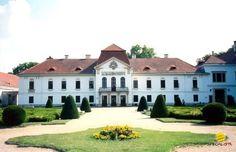 Széchenyi Castle on Nagycenk  www.kastely.specia.hu a kastélyspecialista