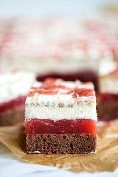 Ciasto Czerwony Kapturek - przepis Marty Cookie Desserts, Cake Cookies, Vanilla Cake, Cheesecake, Cooking Recipes, Baking, Cakes, Food, Cake Makers