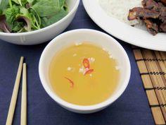 Nuoc cham - vietnamská omáčka s chilli a česnekem // Ochutnejte svět - blog mezinárodní kuchyně