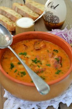 supa cremoasa de fasole boabe Soup Recipes, Cooking Recipes, Healthy Recipes, My Favorite Food, Favorite Recipes, Romanian Food, Saveur, Family Meals, Food To Make