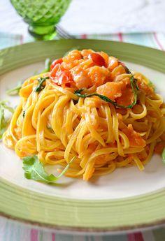 Linguine con crema di parmigiano, rucola e zucca