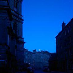#Moonrise in #Stockbridge last night. #edinburgh #spring #moon